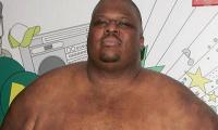 Mirė sunkiausias kada nors buvęs MMA kovotojas (video)